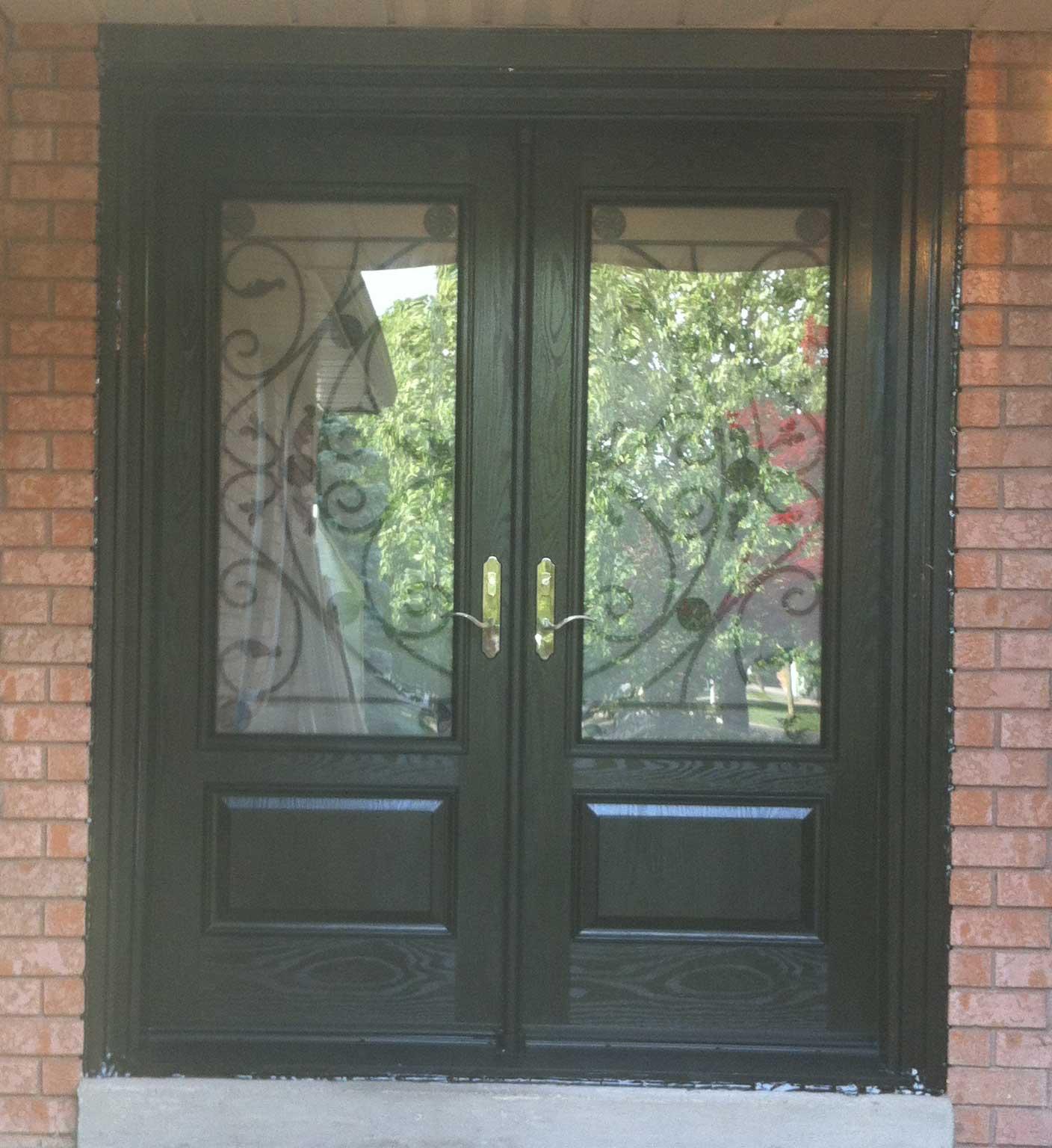Fiberglass doors front entry doors modern doors woodgrain for Front door with three windows