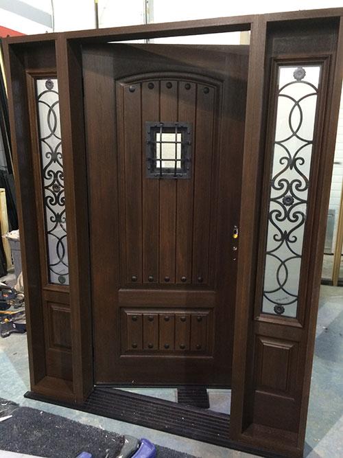 Woodgrain fiberglass doors for Fiberglass front doors