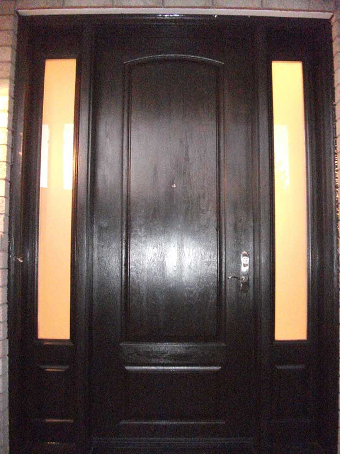 Wood grain Fiberglass Door with 2 Side panel Lites Installed by Windows and Doors Toronto in Niagara Falls Ontario