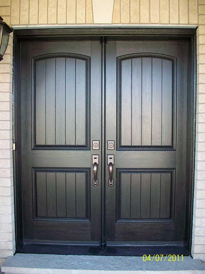 Wood grain Rustic Fiberglass Doors Installed by windows and doors toronto in Brampton
