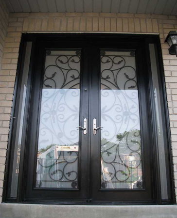 Windows and Doors Toronto-Fiberglass Doors-8 Foot Doors-Fiberglass-Milan-Design-Front-Door-with-Multi-Point-Locks-and-2-Slim-Side-Lits-Installed- in Toronto by Windows and Doors Toronto