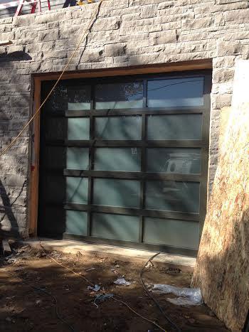 Modern Garage Doors-Aluminium Garage Door with Door Lites installed in Oakville by modern-doors.ca