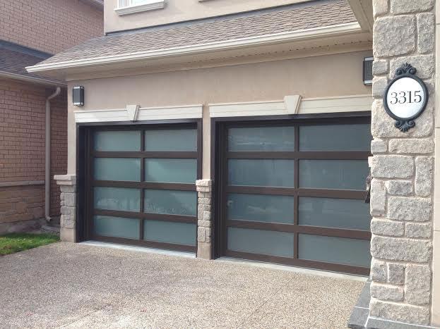 Modern Garage Doors-Aluminium Garage Doors with Door Lites installed in Toronto by modern-doors.ca